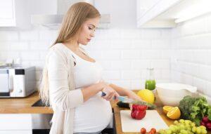 عکس از تغذیه دوران بارداری